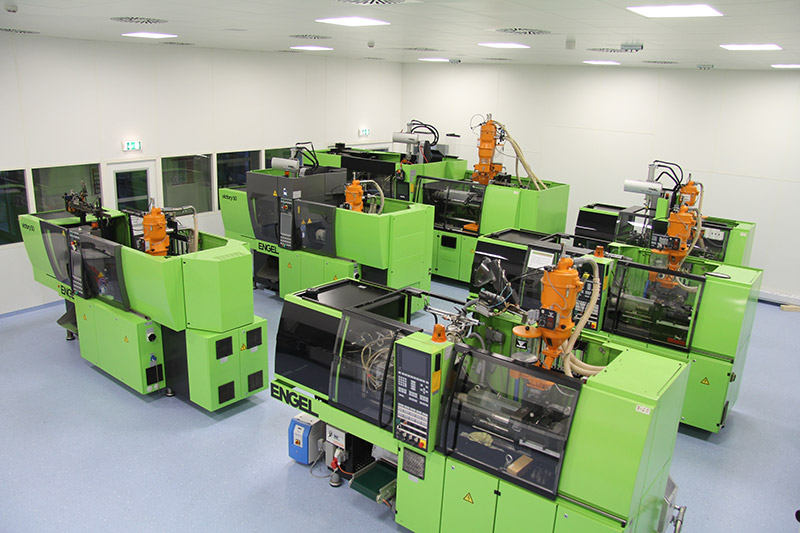 Injection moulding technical products