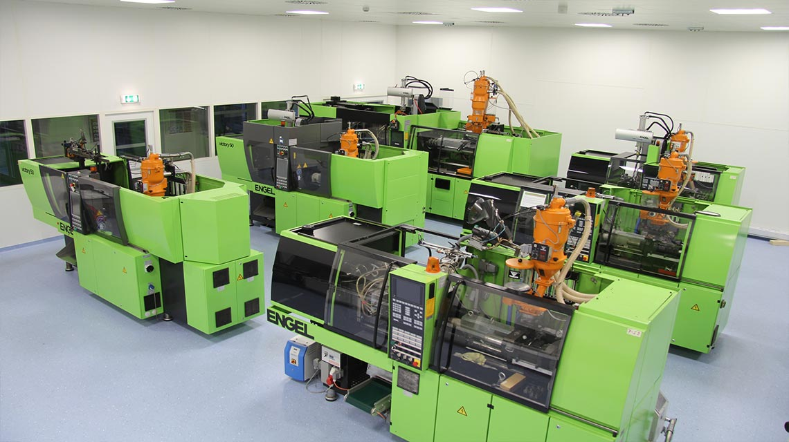Injection molding machines for technical products